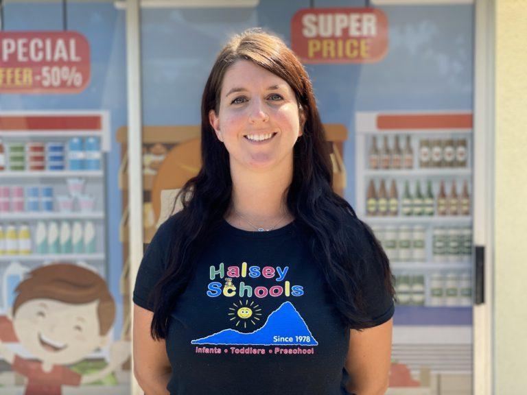 Ms. Coryanne Loves teaching children in Woodland Hills