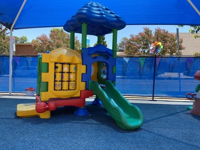 Slides, toys, shade, soft turf